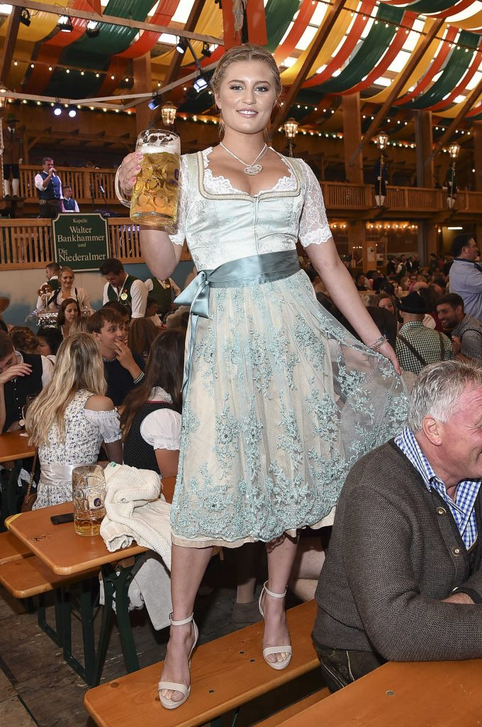 Luna Schweiger At Oktoberfest In Munich Celeb Donut