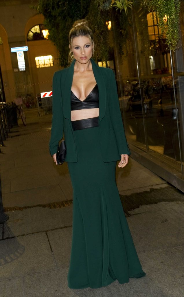 Michelle Hunziker Was Spotted Out in Milan-2