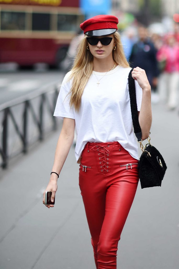 Romee Strijd Arrives at the Balmain Show During Paris Fashion Week-4