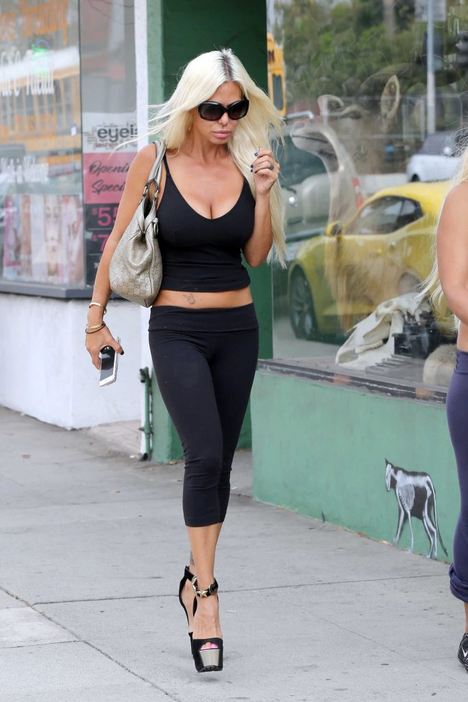 Shauna Sand Was Seen on Melrose Ave in Los Angeles-1