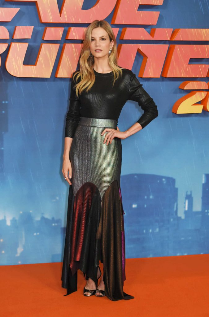 Sylvia Hoeks at the Blade Runner 2049 Photocall in London-2
