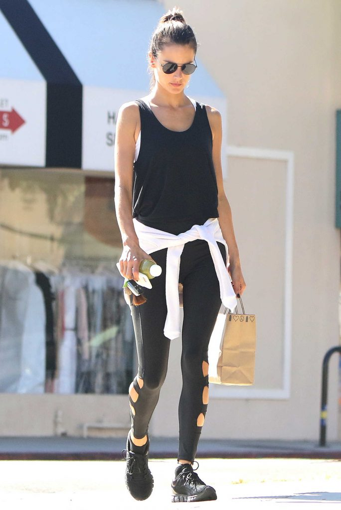 Alessandra Ambrosio Goes at Kreation Organic Juicery in LA-4