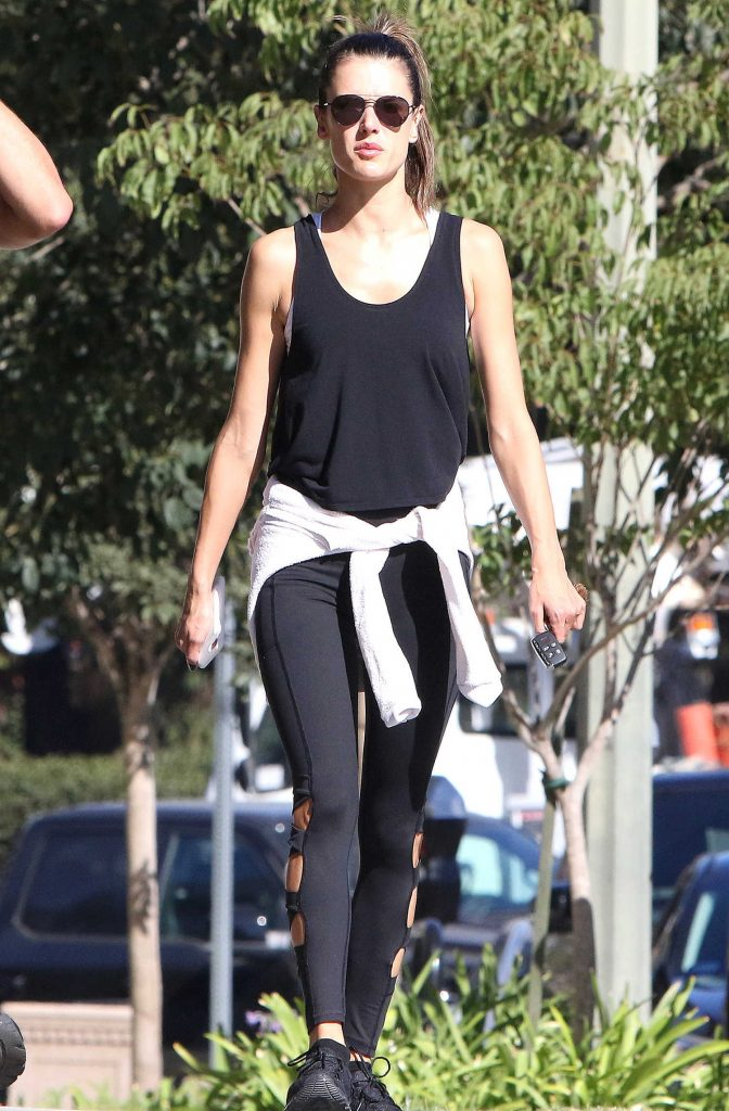 Alessandra Ambrosio Goes at Kreation Organic Juicery in LA-5