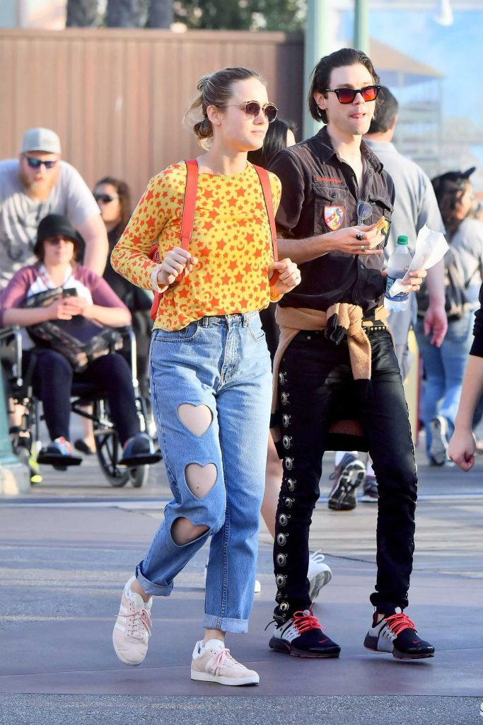 Brie Larson Was Seen at Disneyland in Anaheim-4