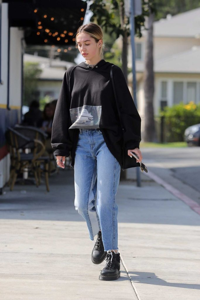 Delilah Hamlin Goes for a Skin Treatment Session in West Hollywood-3