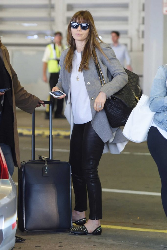 Jessica Biel Arrives at JFK Airport in New York City-1