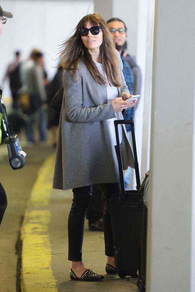 Jessica Biel Arrives at JFK Airport in New York City-2