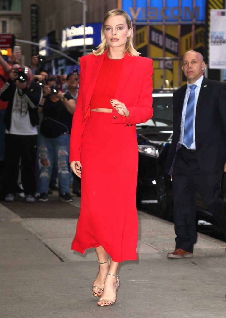Margot Robbie Visits the ABC Studios for Good Morning America in New York City-3