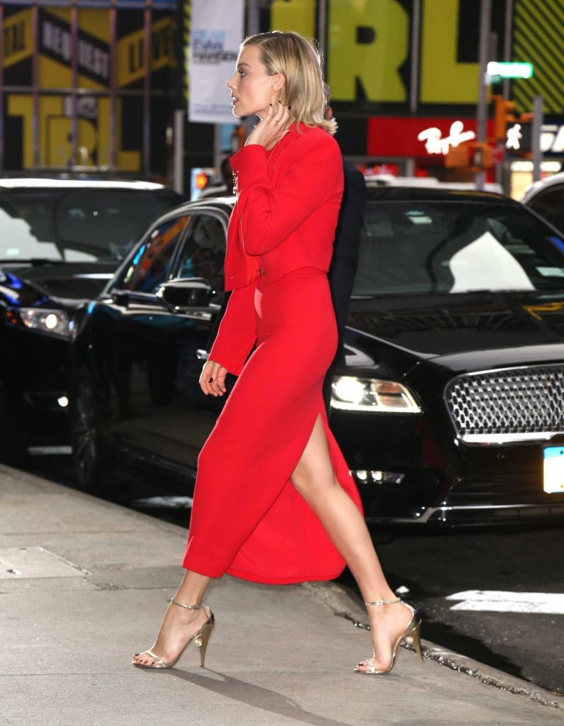 Margot Robbie Visits the ABC Studios for Good Morning America in New York City-4