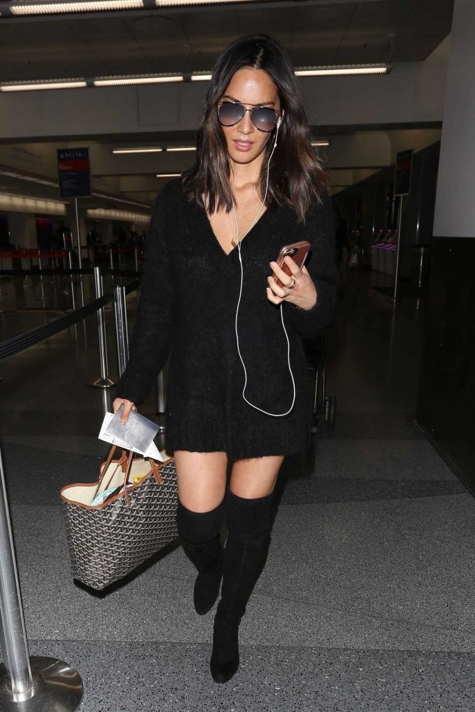 Olivia Munn Was Spotted at LAX Airport in LA-2
