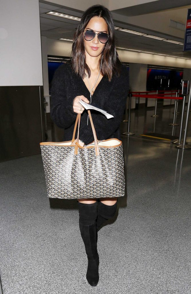 Olivia Munn Was Spotted at LAX Airport in LA-3