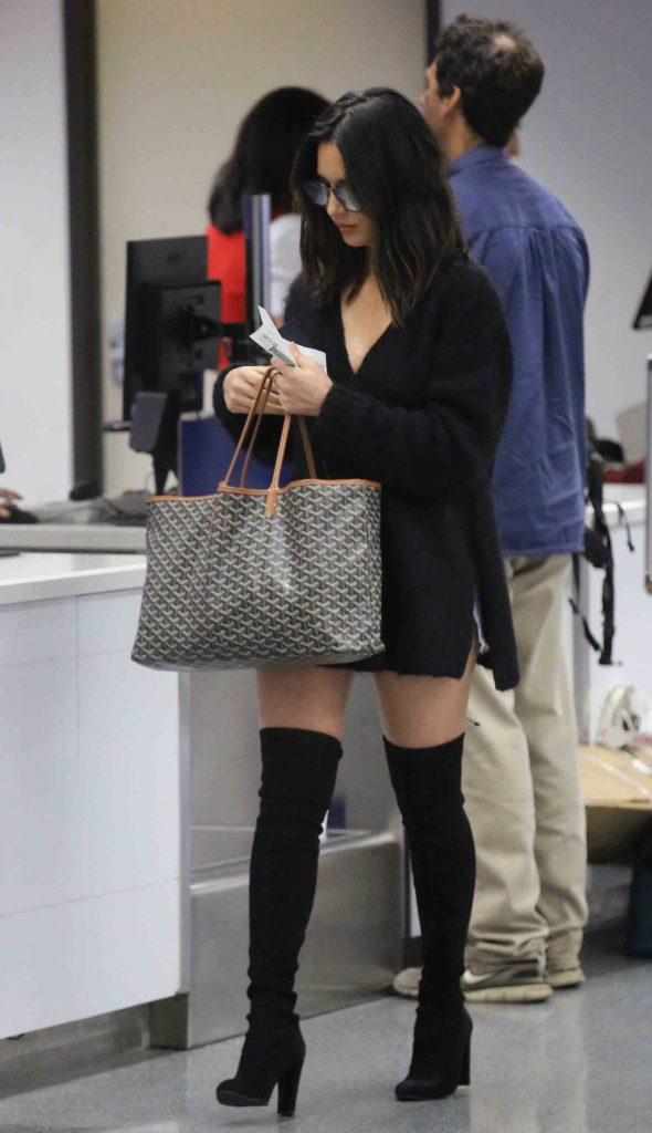 Olivia Munn Was Spotted at LAX Airport in LA-5