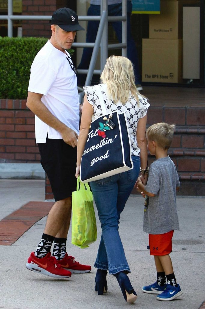 Reese Witherspoon Enjoys the Day With Her Family Out in Brentwood-3