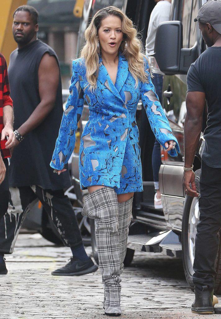 Rita Ora Filmes a Music Video in NYC-1