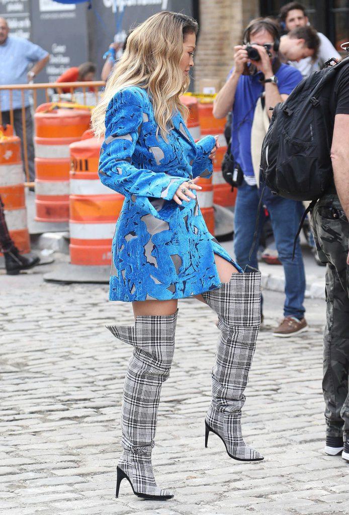 Rita Ora Filmes a Music Video in NYC-2