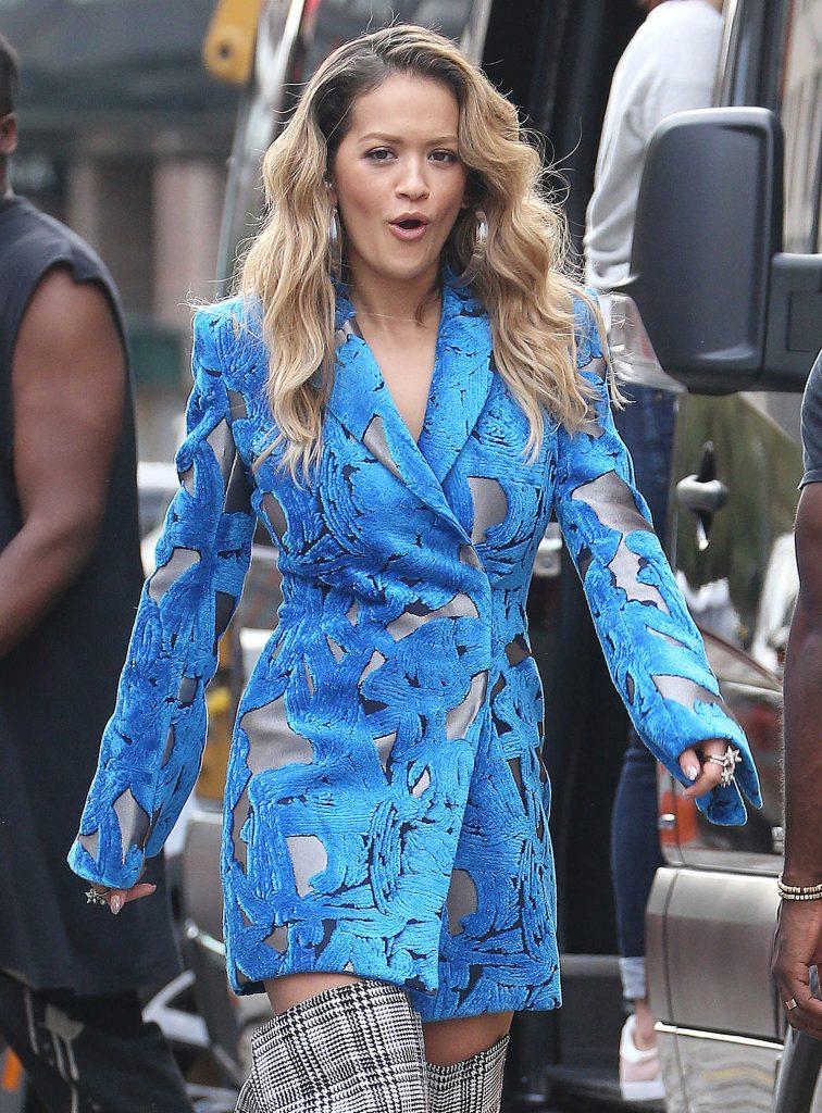 Rita Ora Filmes a Music Video in NYC-3