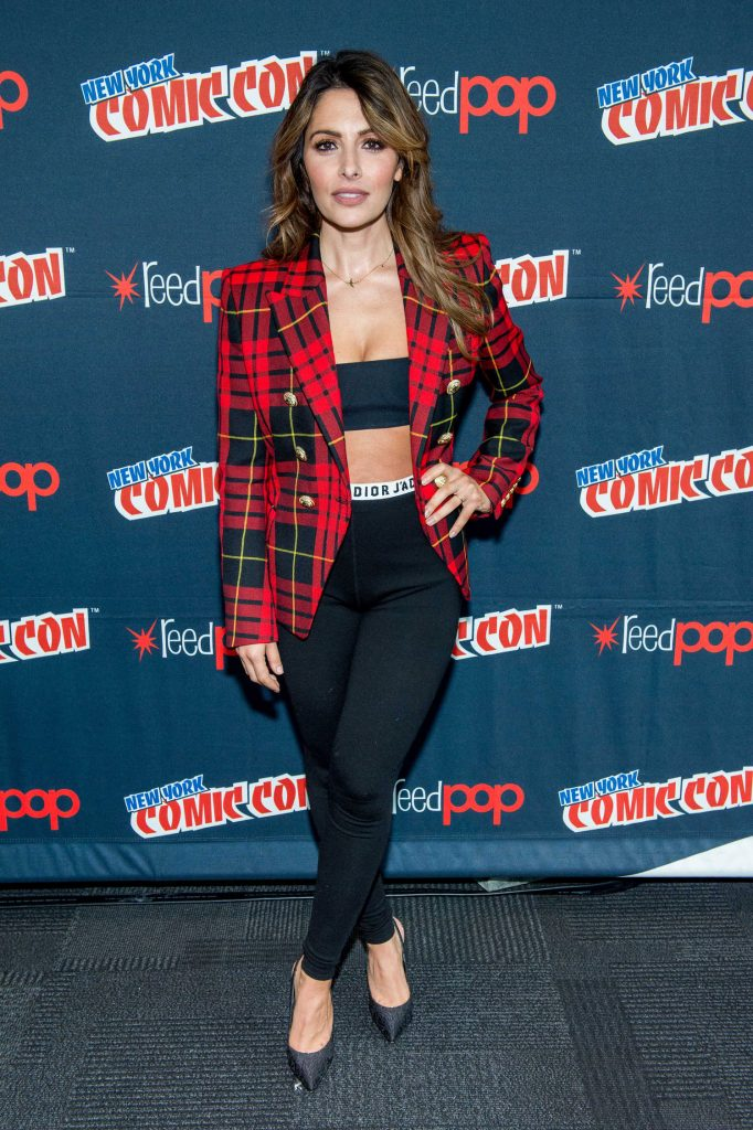 Sarah Shahi at the Reverie Photocall During New York Comic Con-1