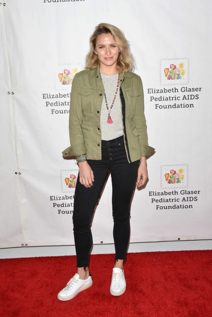 Shantel VanSanten at the Elizabeth Glaser Pediatric AIDS Foundation A Time For Heroes Family Festival in Los Angeles-2