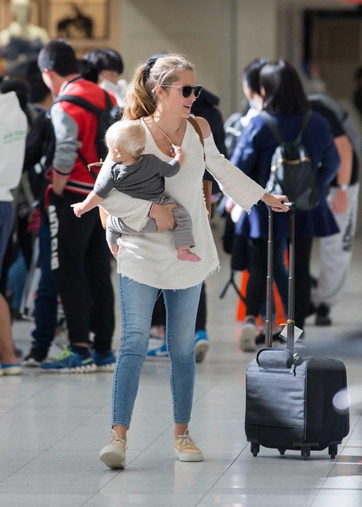 Teresa Palmer and Her Husband Mark Webber Arrive in Adelaide, Australia-5