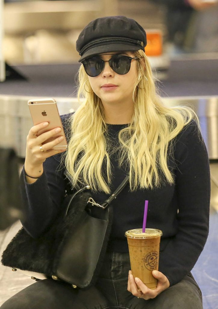 Ashley Benson Was Spotted at LAX Airport in LA 11/22/2017-4