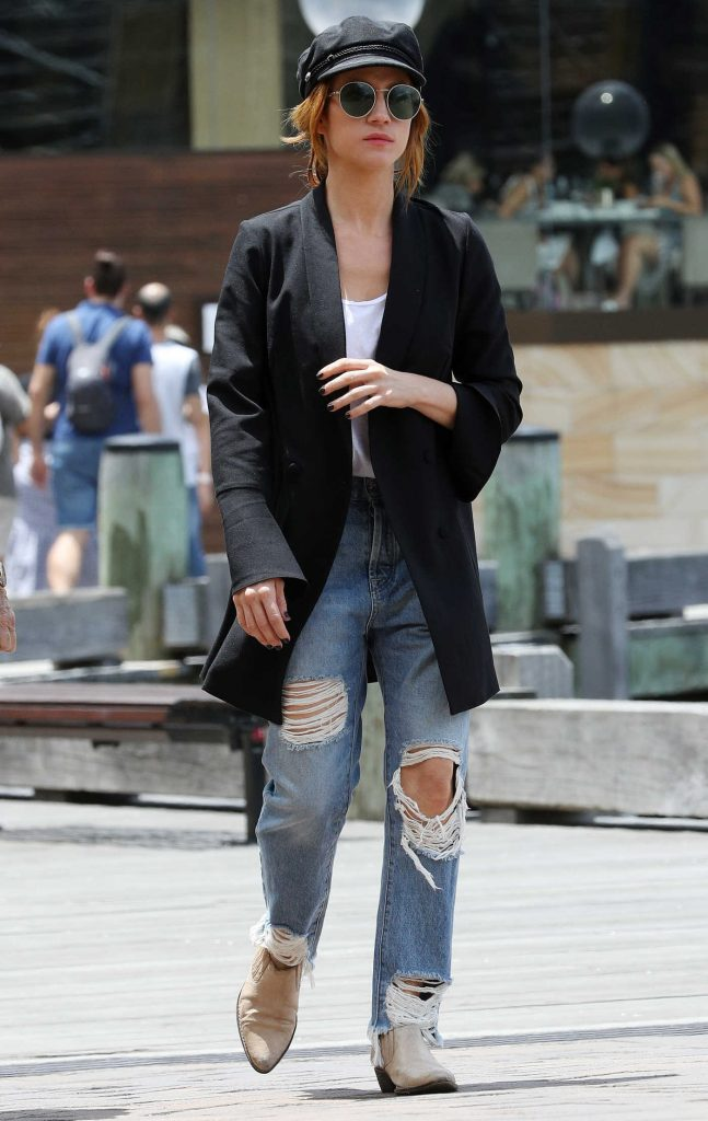 Brittany Snow Was Seen Out in Sydney-2