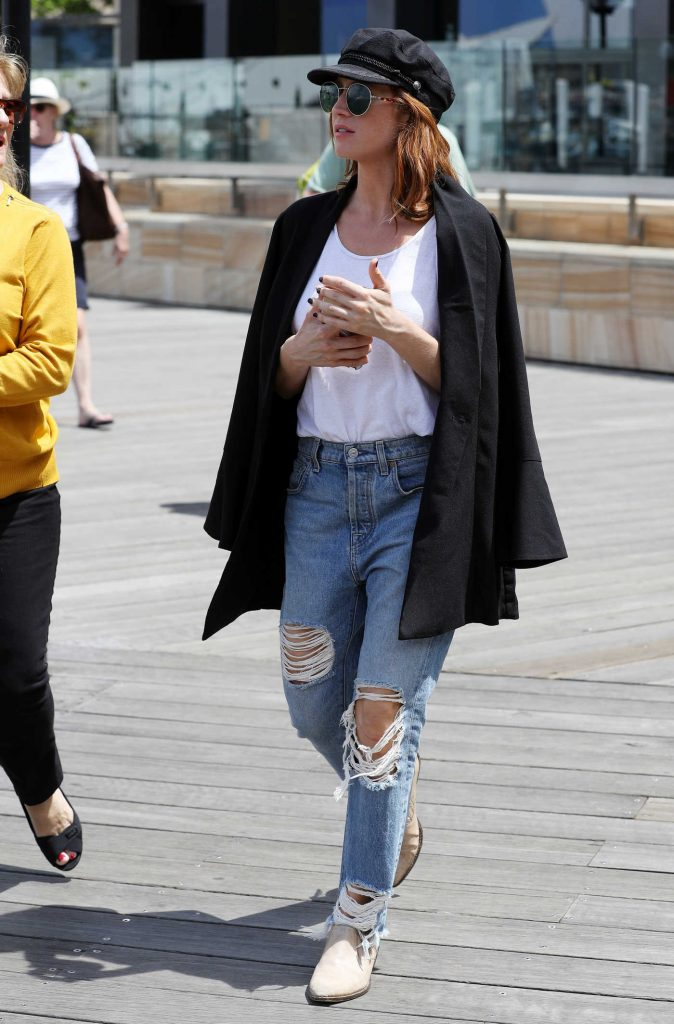 Brittany Snow Was Seen Out in Sydney-5