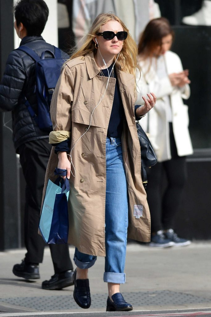 Dakota Fanning Out for a Stroll in NYC-2