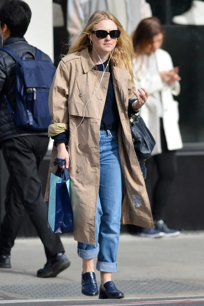 Dakota Fanning Out for a Stroll in NYC-3