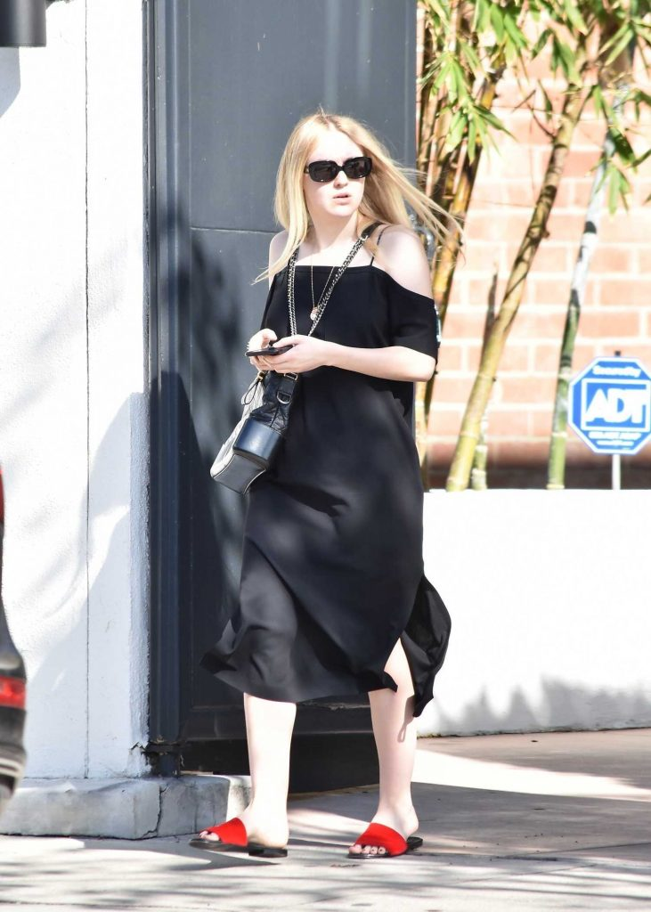 Dakota Fanning Visits the Nine Zero One Salon in West Hollywood-1