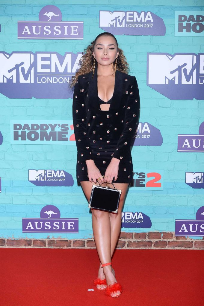 Ella Eyre at the 24th MTV Europe Music Awards in London-1