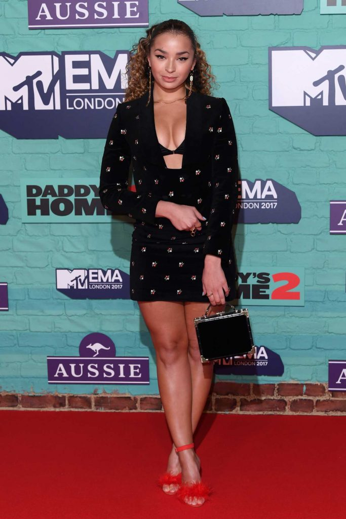 Ella Eyre at the 24th MTV Europe Music Awards in London-3