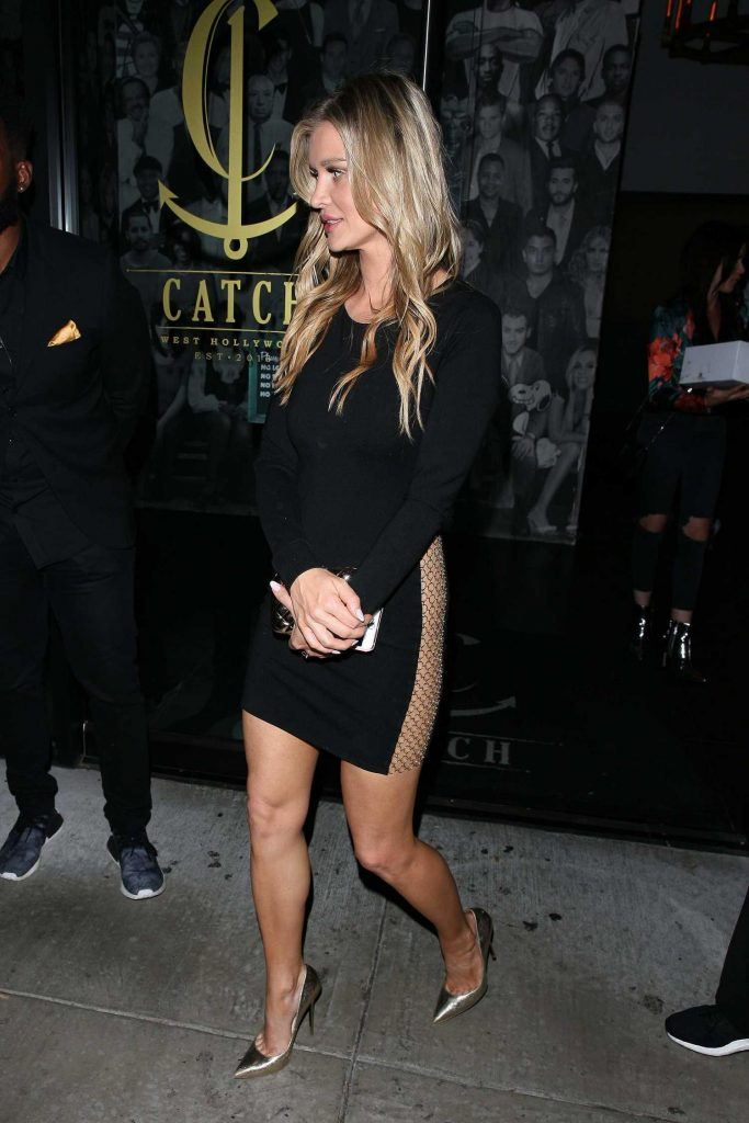 Joanna Krupa Dines at Catch Restaurant in West Hollywood-3