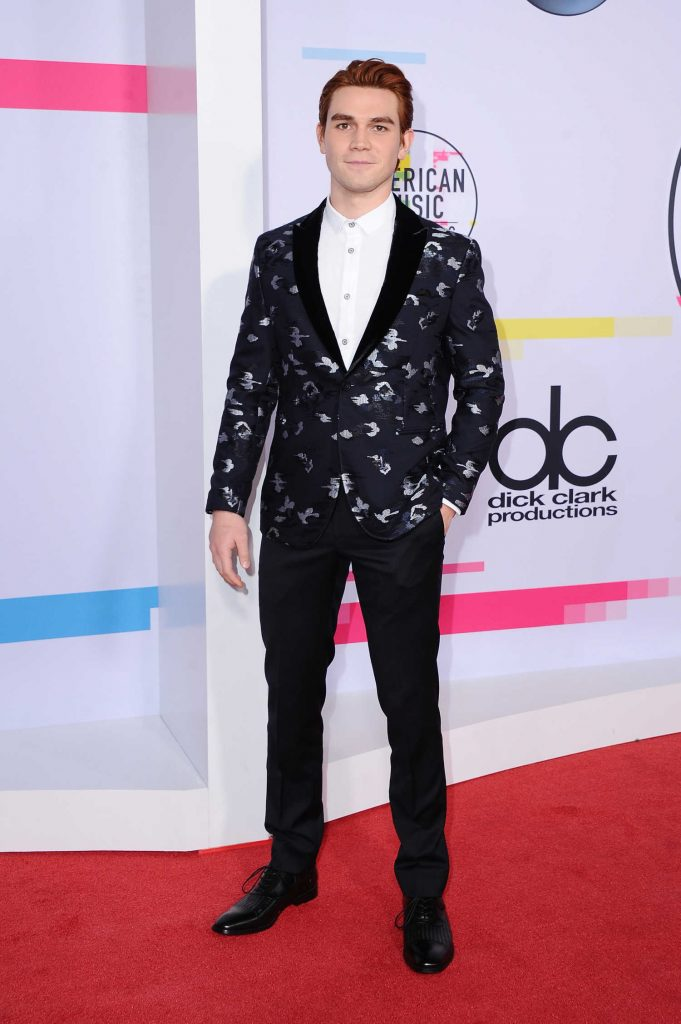 KJ Apa at 2017 American Music Awards at the Microsoft Theater in Los Angeles-2