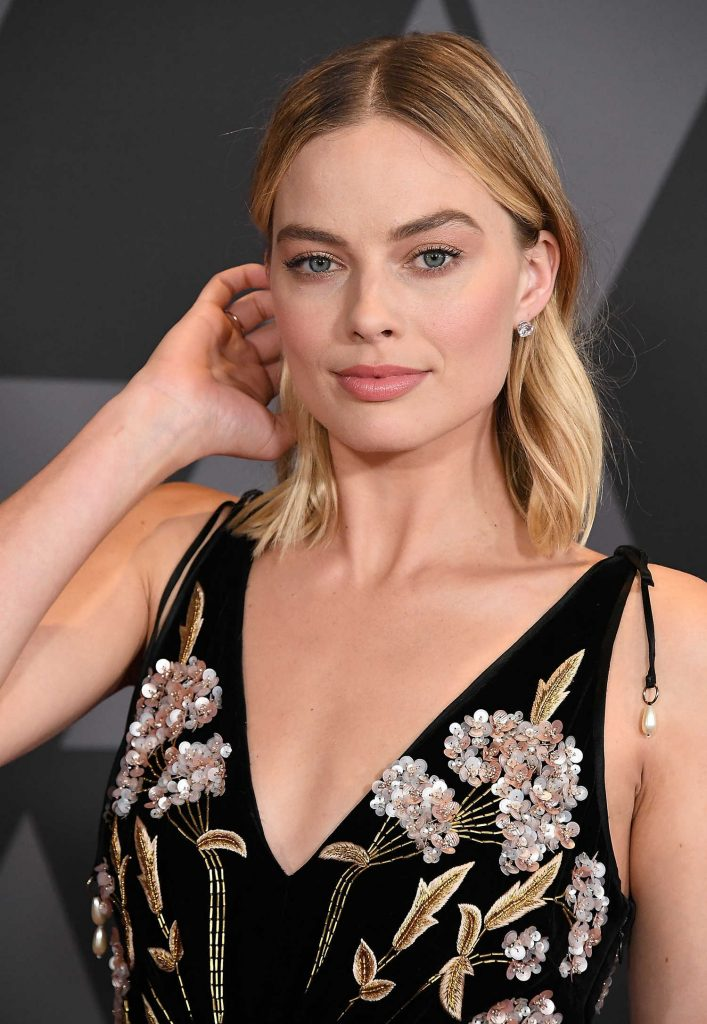 Margot Robbie at Academy of Motion Picture Arts and Sciences 9th Annual Governors Awards in Hollywood-5