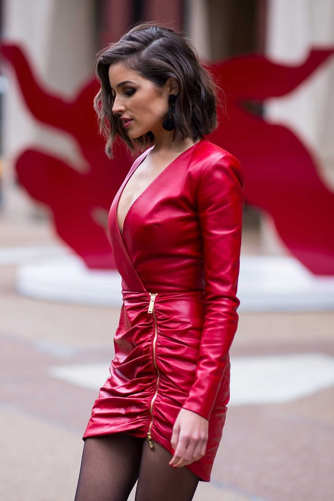 Olivia Culpo Was Seen Out in Midtown NYC-4