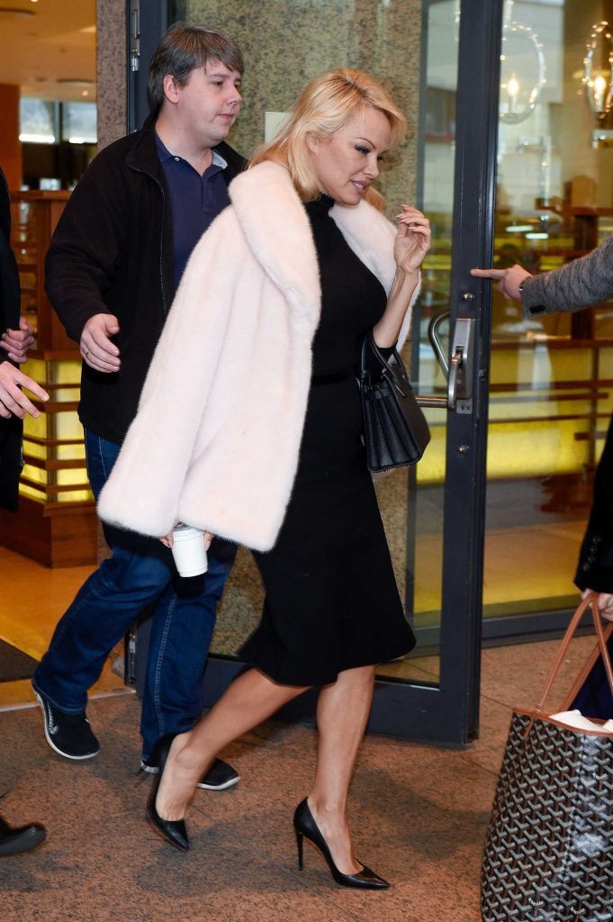 Pamela Anderson Leaves Her Hotel in Warsaw-3