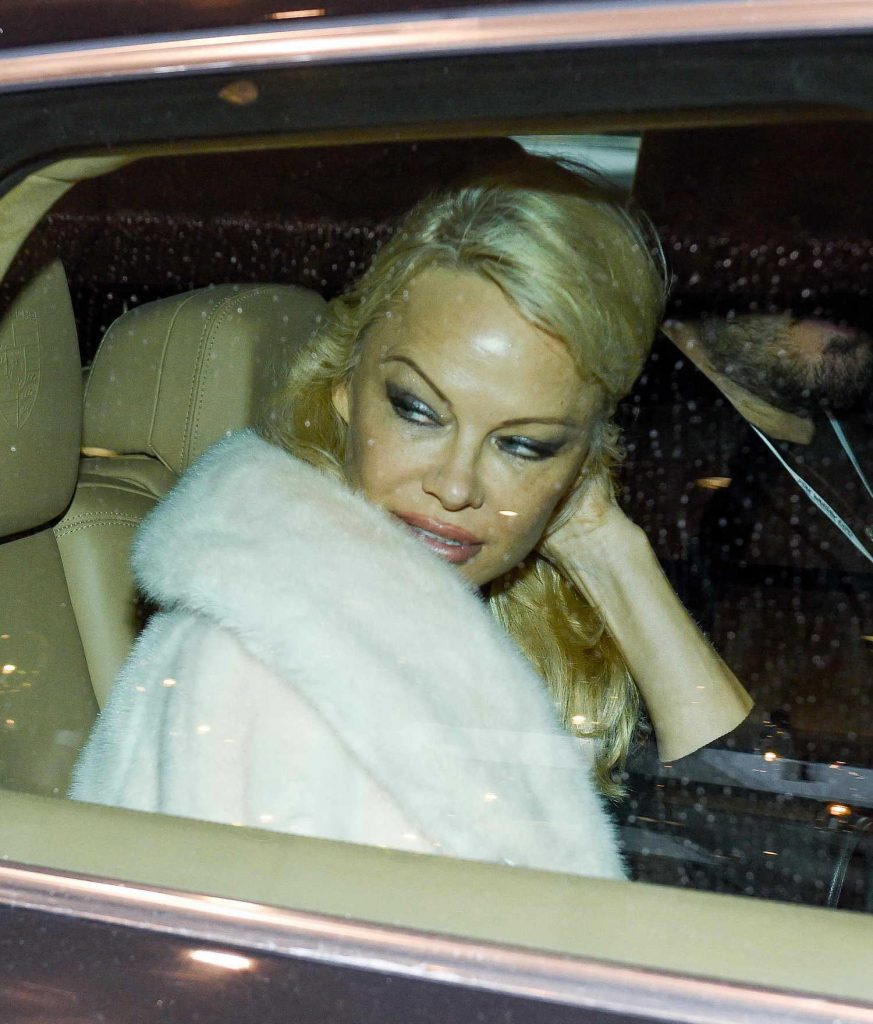 Pamela Anderson Leaves Her Hotel in Warsaw-5