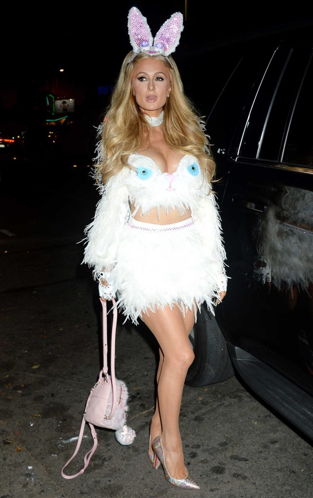 Paris Hilton Arrives at Treats! Magazine 7th Halloween Party in Los Angeles-1