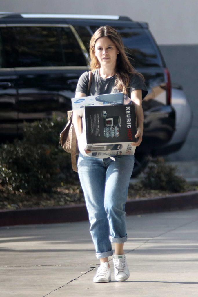 Rachel Bilson Goes Shopping at a Best Buy Electronics Store in LA-1