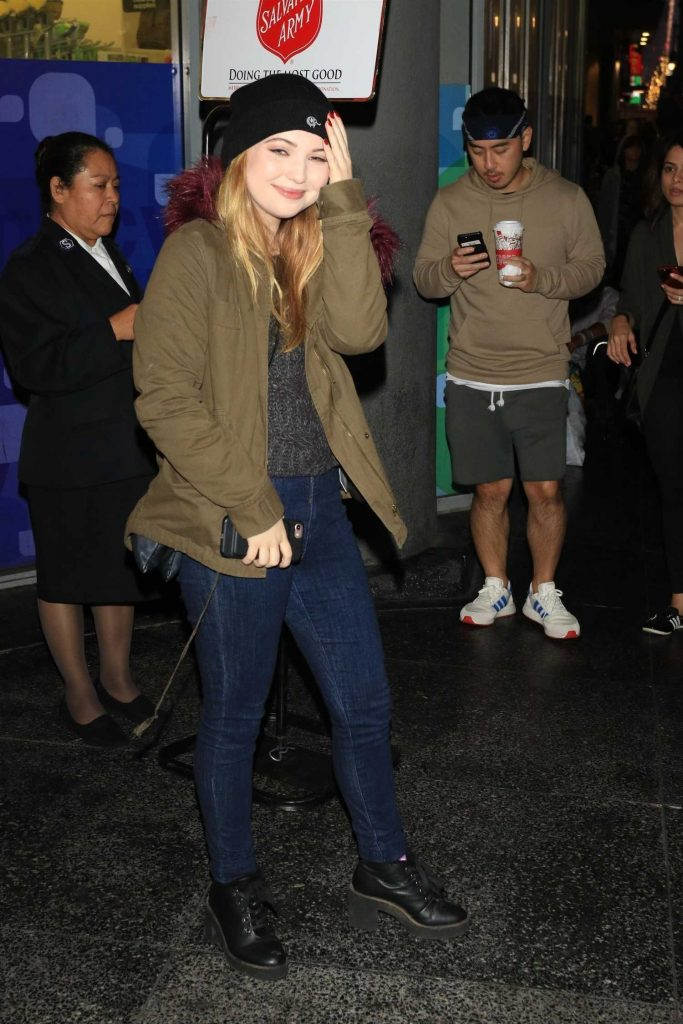 Sammi Hanratty Arrives at the 86th Annual Hollywood Christmas Parade in Hollywood-2
