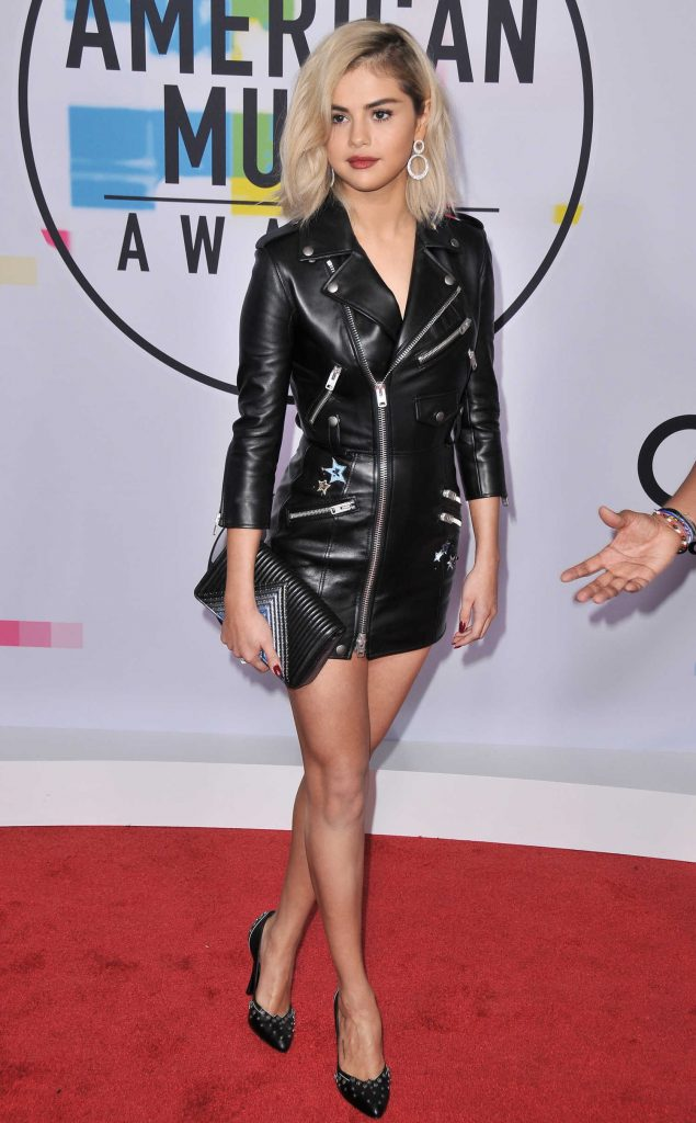 Selena Gomez at 2017 American Music Awards at the Microsoft Theater in Los Angeles-2