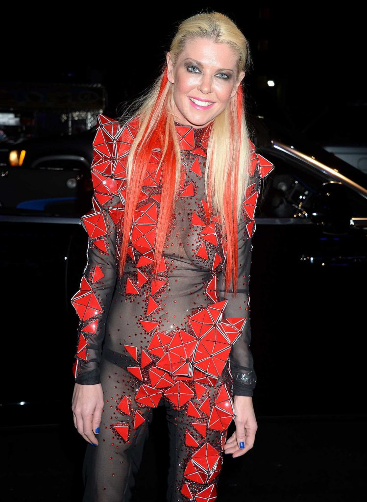 Tara Reid Arrives at Treats! Magazine 7th Halloween Party in Los Angeles-5
