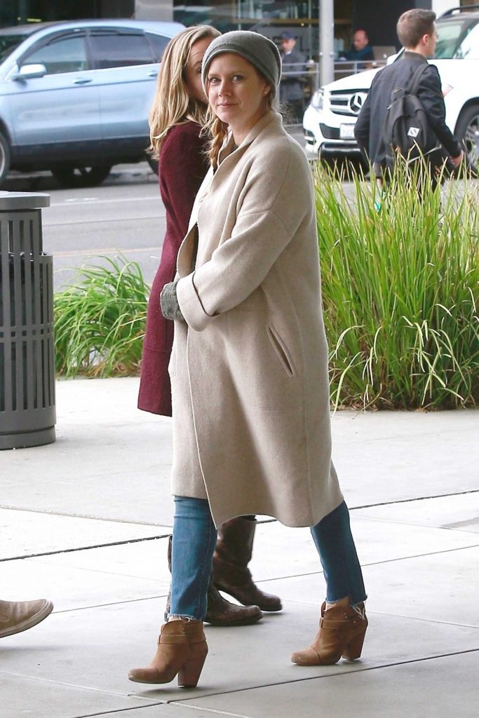 Amy Adams Gets Some Christmas Shopping in Beverly Hills-4