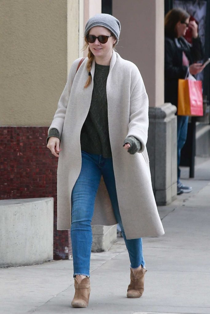 Amy Adams Gets Some Christmas Shopping in Beverly Hills-5