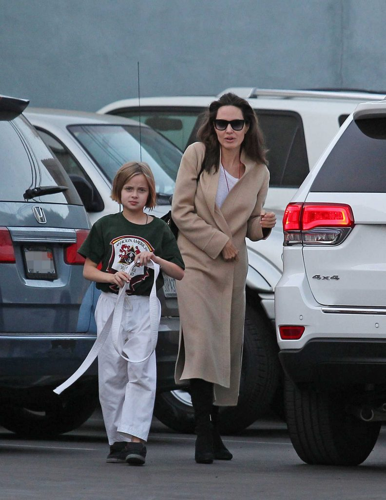 Angelina Jolie Arrives With Her Daughter at a Karate Class in Los Angeles-1