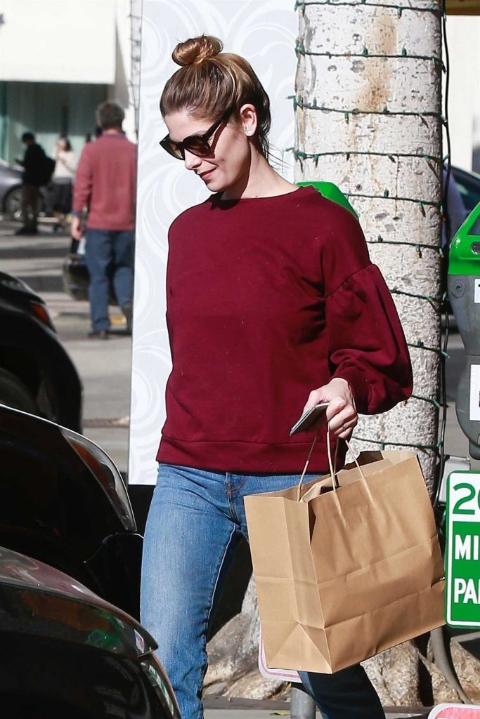 Ashley Greene Goes Shopping in Beverly Hills-4