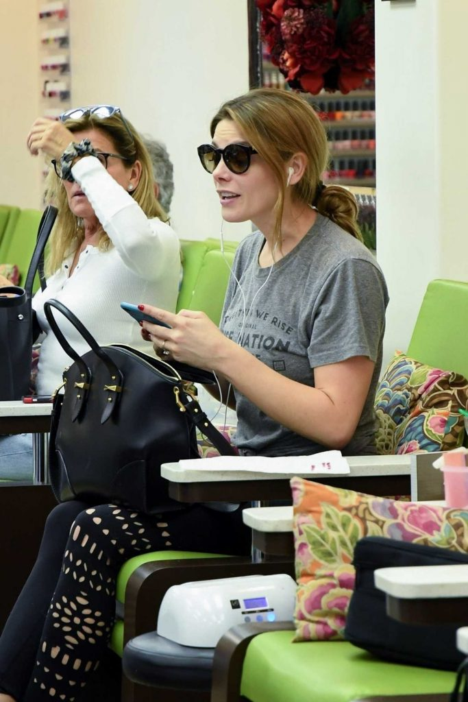 Ashley Greene Leaves the Nail Salon in Beverly Hills-2