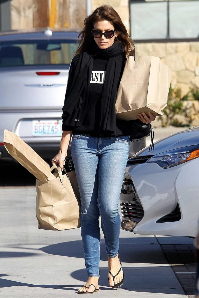 Cindy Crawford Out for Shopping at Trancas Market in Malibu-1