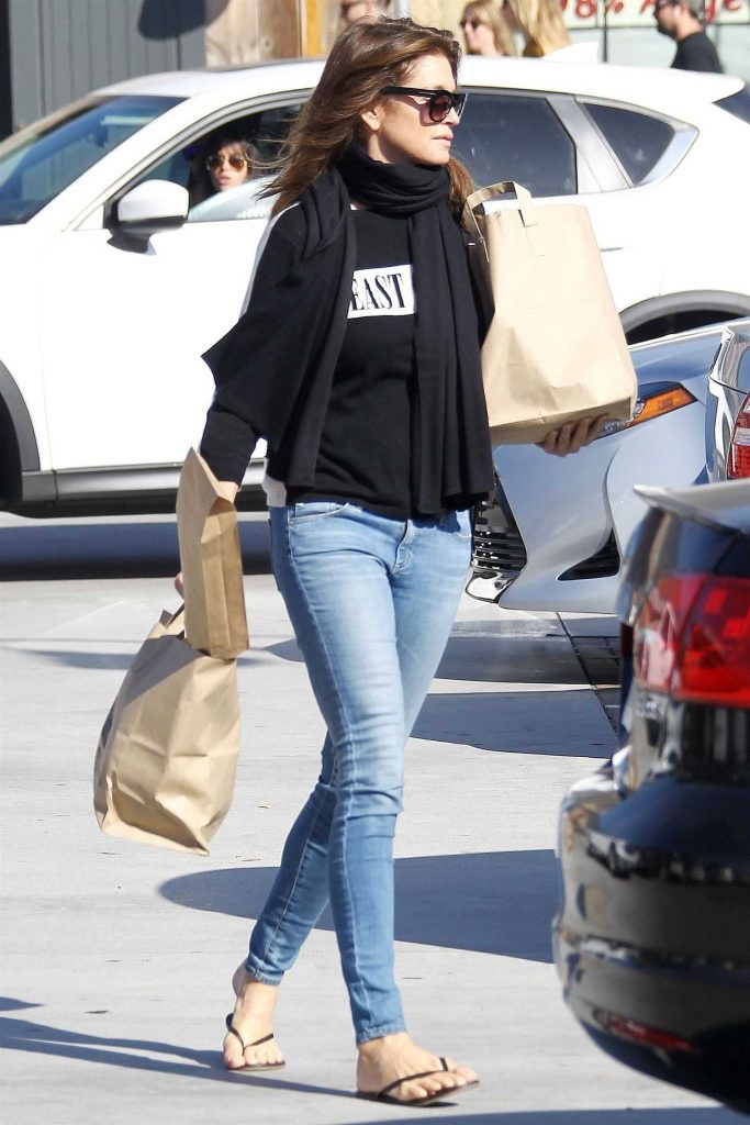 Cindy Crawford Out for Shopping at Trancas Market in Malibu-3