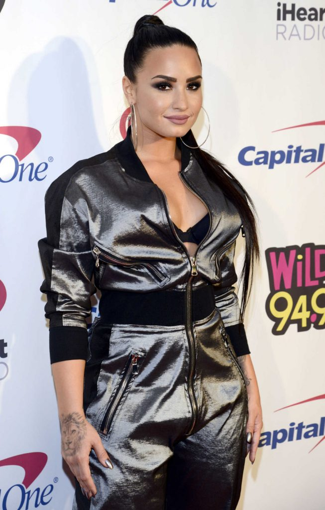 Demi Lovato at the WiLD 94.9's FM's 2017 Jingle Ball at SAP Center in San Jose-4